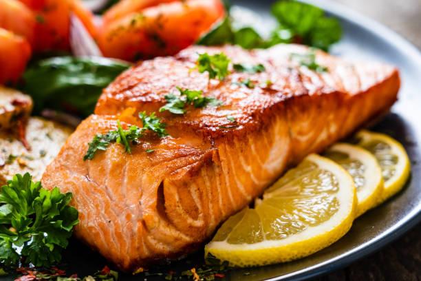 Thực phẩm tốt cho bà bầu: Cá hồi